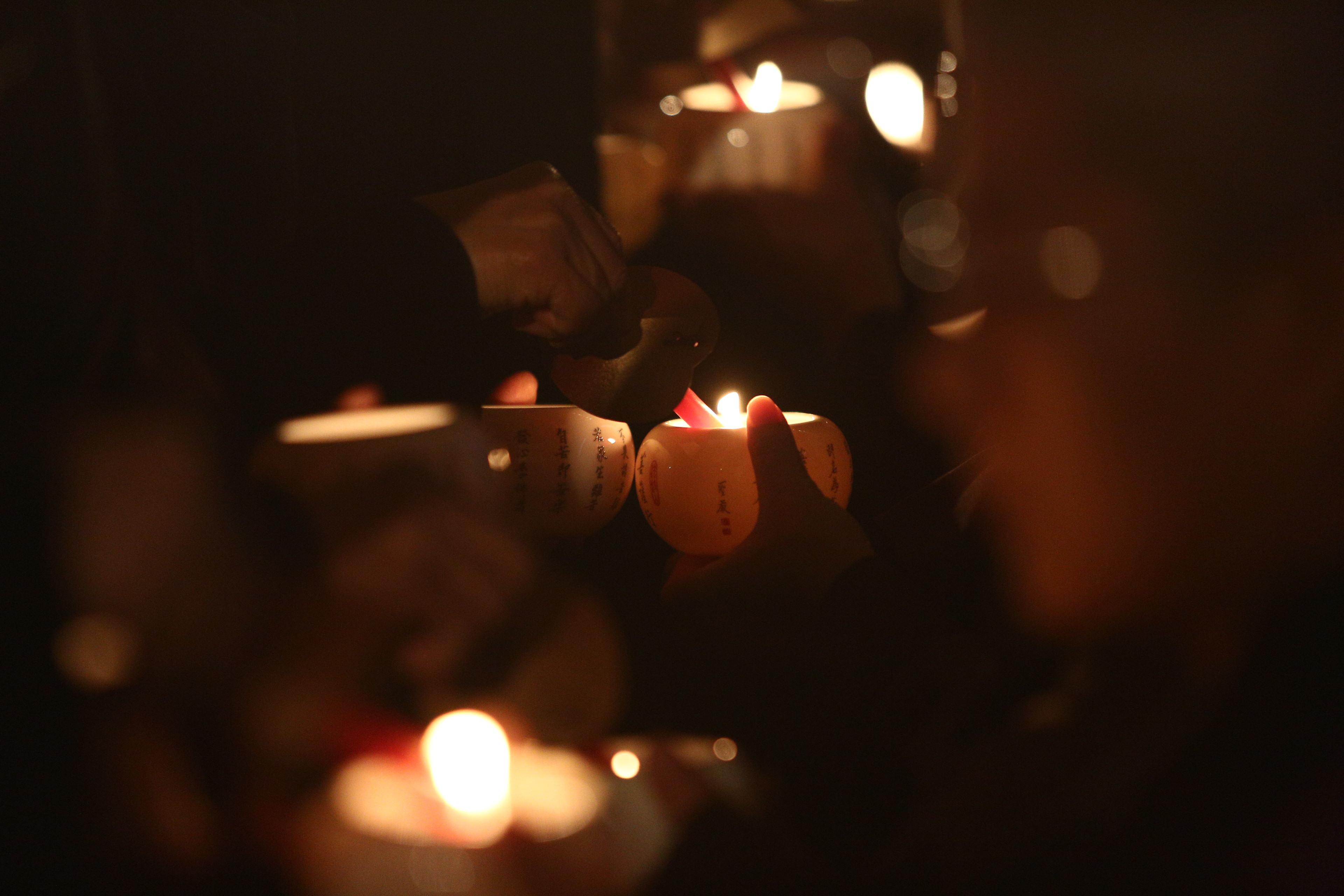 燈燈相傳、願願相續。以傳燈緬懷聖嚴法師